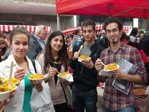 LSI Portsmouth students enjoying street food