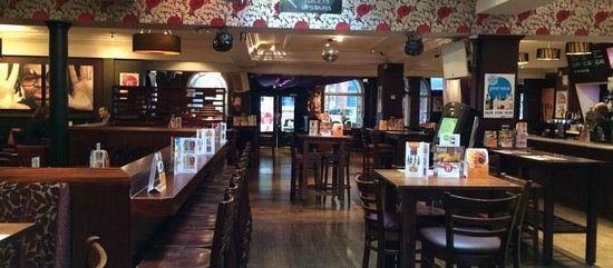 Yates-pub_Portsmouth