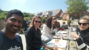 LSI Portsmouth students stop for lunch on the Jurassic coast.