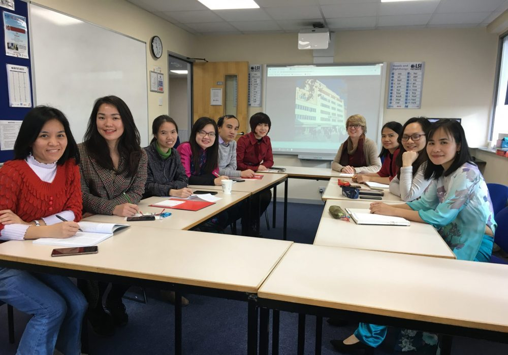 Rebecca Blakey teaching Vietnamese students
