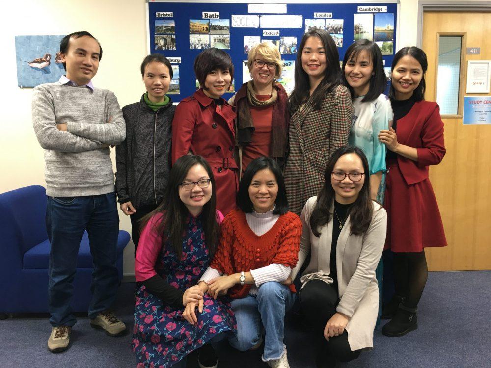 Vietnamese teaching English language